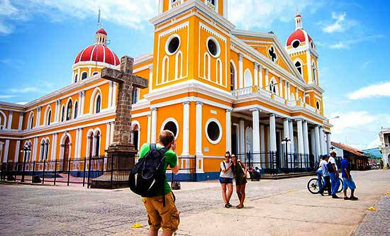 Turismo europeo a las vistas de Nicaragua - LVDS