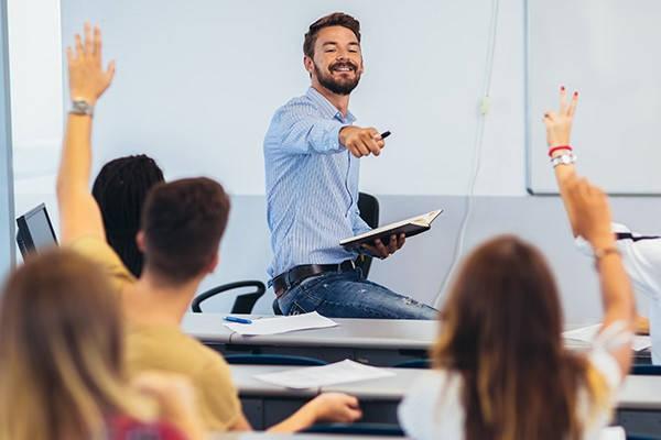 Requisitos para formar parte del profesor de colypro