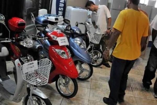 ¿Cómo puedo saber si mi licencia de motocicleta es legal?  pavo comprando una moto
