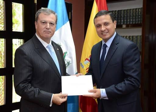 Requisitos para viajar para los embajadores de España