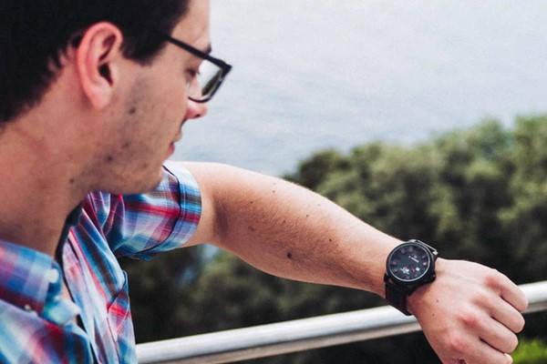Requisitos para ir como estudiante Erasmus a mirar el reloj