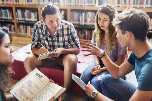 Requisitos para ir a la librería de estudiantes Erasmus