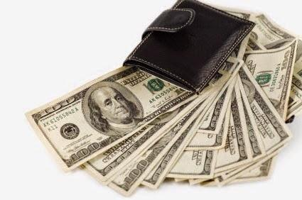 cartera con dinero